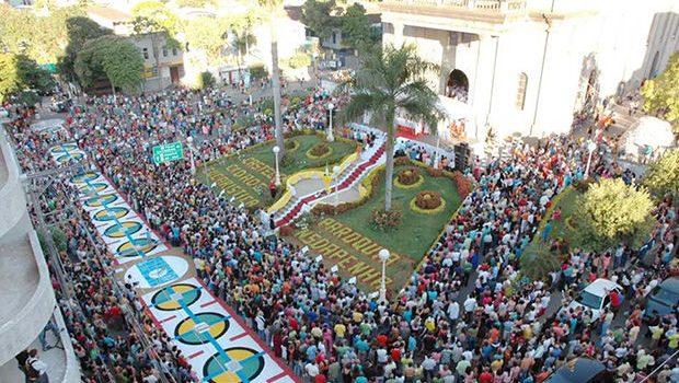 FESTA DE CORPUS CHRISTI EM CASTELO.