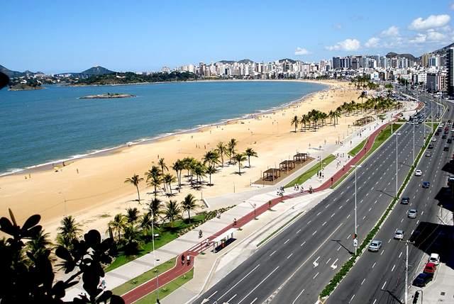 Praia-de-Camburi-Vitória